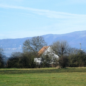 Rhydd Barn from common with Malvern Hills