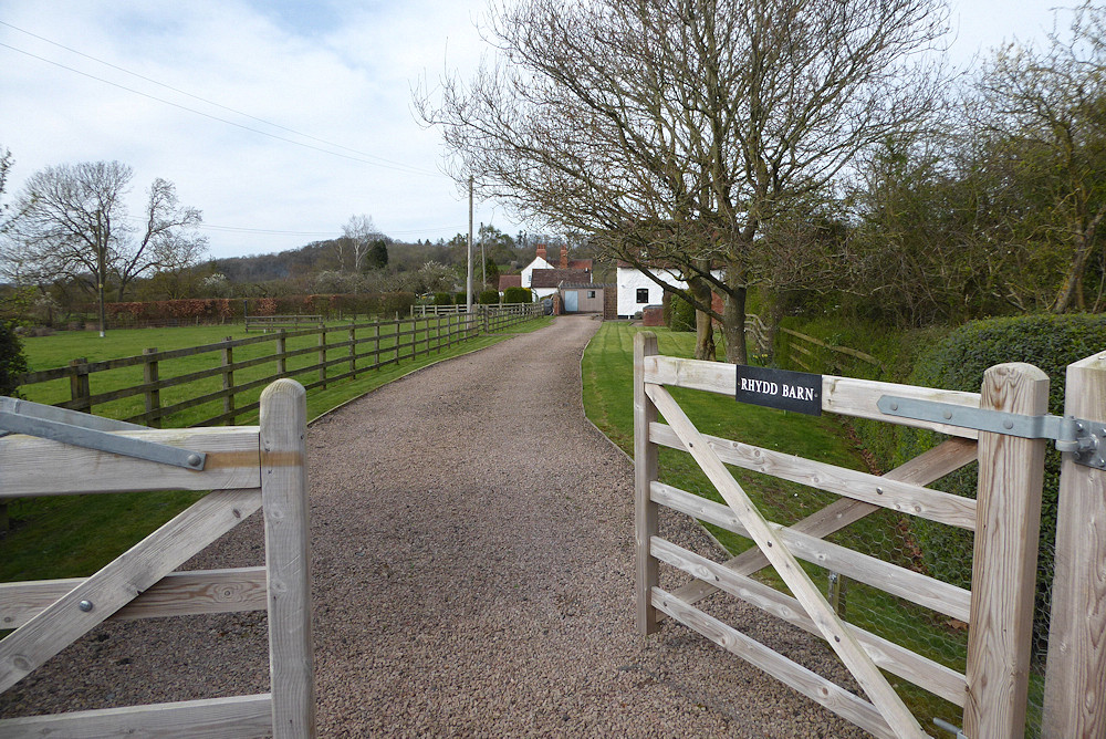 Rhydd Barn entrance drive off Hanley Swan road